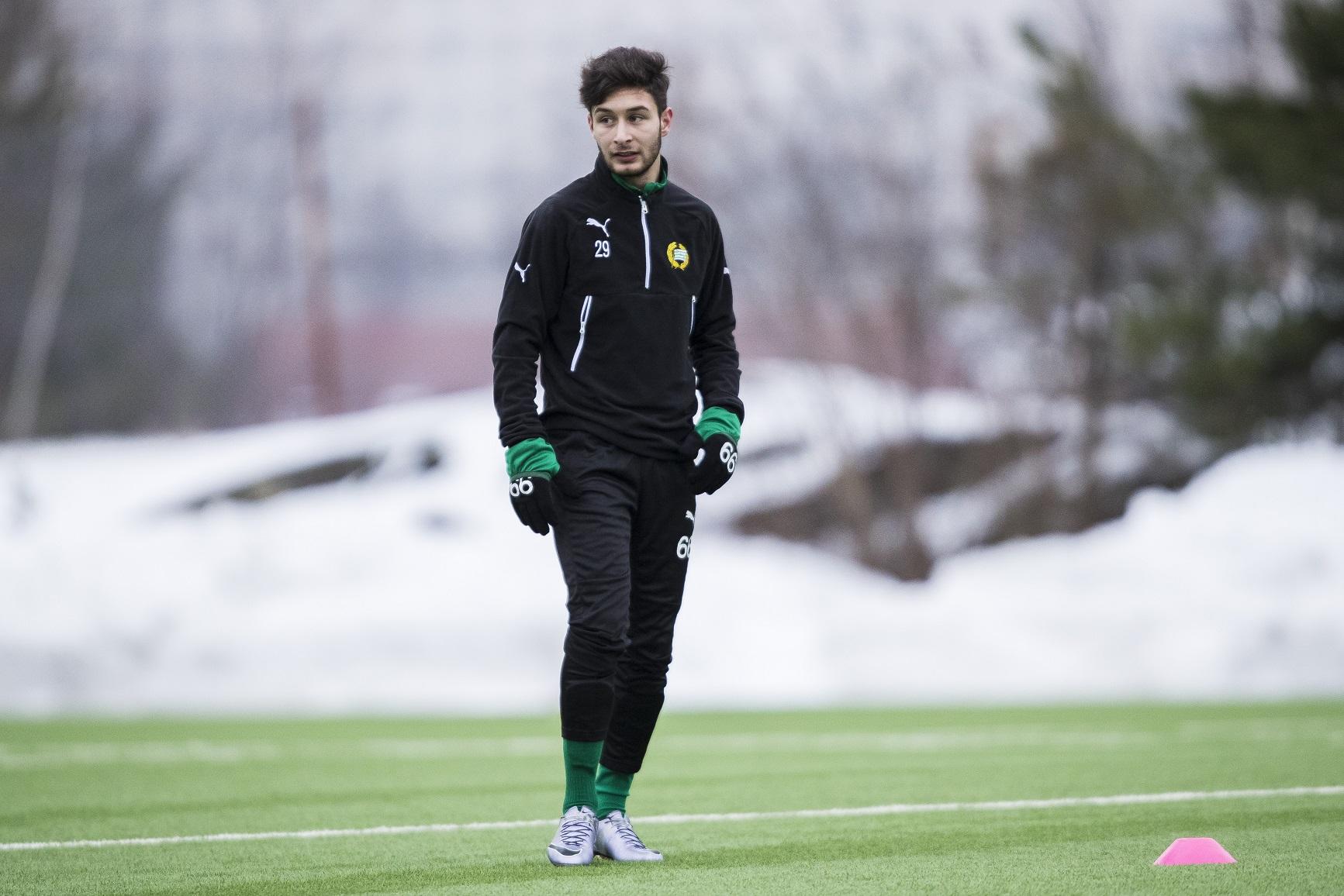 170110 Hammarbys Elias Durmaz under en fotbollsträning med Hammarby den 10 Januari 2017 i Stockholm.  Foto: Kenta Jönsson / BILDBYRÅN / Cop 210