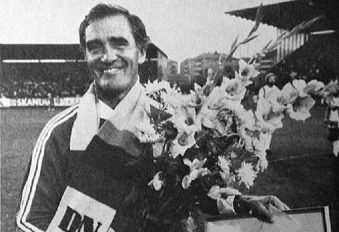 """Bengt """"Julle"""" Gustavsson utsedd av DN till Månadens tränare i juli. (Ur Hammarbyiten 61/1979)"""