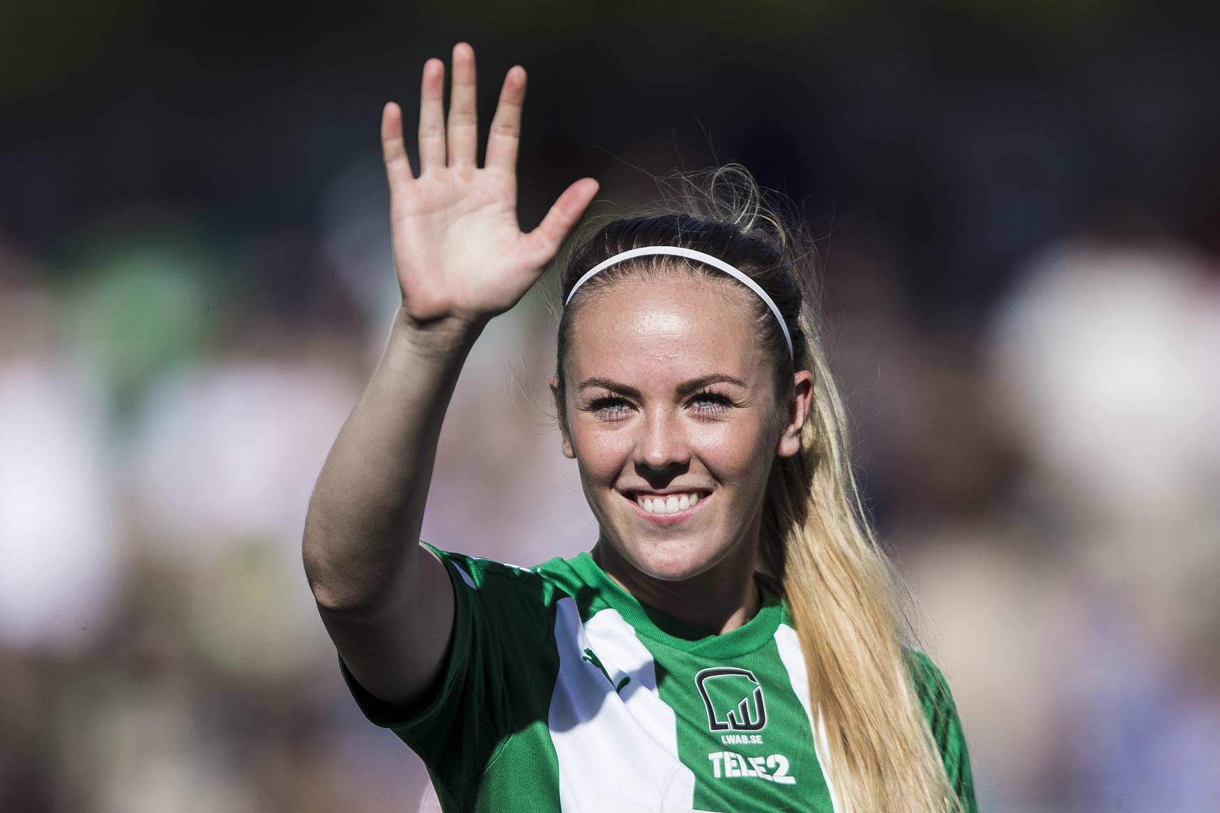 170618 Hammarbys Cathrine Dahlstršm innan fotbollsmatchen i Damallsvenskan mellan Hammarby och DjurgŒrden den 18 Juni 2017 i Stockholm.  Foto: Kenta Jšnsson / BILDBYRN / Cop 210