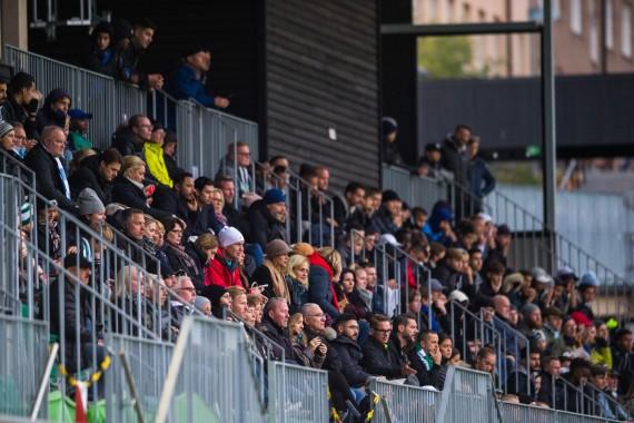 181021 Publik under fotbollsmatchen i U16 SM-finalen mellan Hammarby och Malmš den 21 oktober 2018 i Stockholm. Foto: Dennis Ylikangas / BildbyrŒn / Cop 253